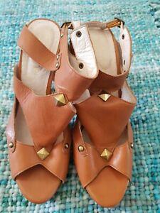 ZOE WITTNER Tan Brown Leather Stud High Heels Stilettos Size 39 C35