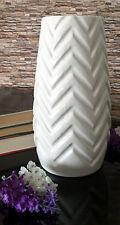 Moderne Deko-Blumentöpfe & -Vasen aus Porzellan fürs Wohnzimmer