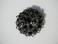 RARE VTG. JET BLACK GLASS STONES TIERED JAPANNED METAL OPEN HEARTS CIRCLE BROOCH