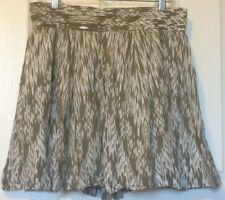 Banana Republic Skirt Green & White Size 8 Petite Above Knee Mini GREAT DEAL!!!!