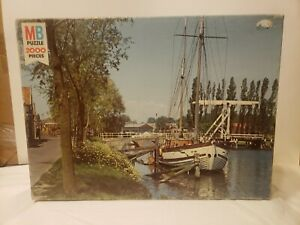 VTG 1978 CANAL IN HOLLAND PUZZLE NEW FACTORY SEALED MILTON BRADLEY 2000 PIECES