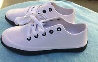 Men's Unique Lightweight EVA Foam White Black Sneakers Size 12 NEW!