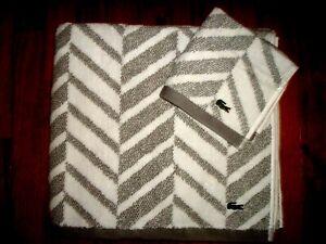 LACOSTE HERRINGBONE GRAY & WHITE TOWEL SET