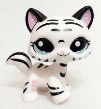 Hasbro Littlest Pet Shop Tiger Cat Kitty White Striped With Aqua Blue Eyes CN2