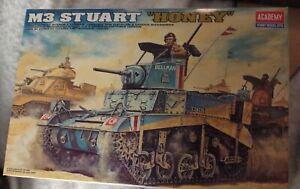 "Academy 1/35 Scale M3 Stuart ""Honey"" Tank Assembly kit - #1399 NIOB"