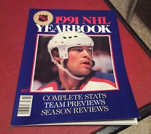 1991 The Hockey News Yearbook NHL Mark Messier Cover