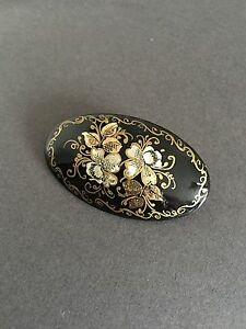 VINTAGE HAND PAINTED RUSSIAN BLACK LACQUER BROOCH Signed
