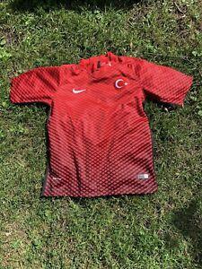 Boys Nike Turkey UEFA Euro 2016 Home Soccer Jersey Size 28 (10/12) AF9210386