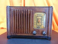 Vintage 1940's EMERSON EC1-366 Wood Cabinet TUBE RADIO