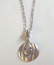 collier argenté avec pendentif citrouille 26x25 mm