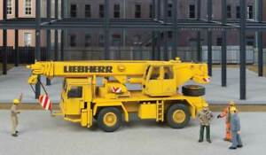 Walthers SceneMaster HO Scale Two-Axle Truck Crane Construction Vehicle - Kit