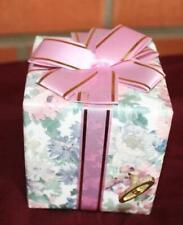 "Pretti - Pak Plays Memories ""Cats"" Music Box~Gift Box, Ribbon & Heart Great Gift"