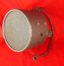 Ancien haut parleur pavillon diffuseur sons en métal