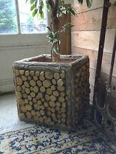 Jardinière / bac en tronc d'arbre