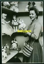 SHIRLEY TEMPLE VINTAGE 4X6 PHOTO 1955 SHOPPING FOR DOLLS