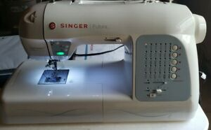Singer Futura XL-400 embroidery machine lots of extras.  Nice!