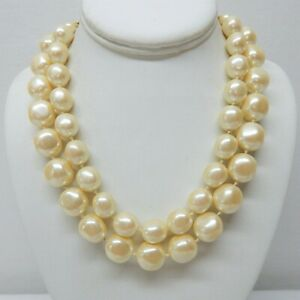 """VINTAGE CAROLEE HAND KNOTTED FAUX PEARL NECKLACE WITH GOLD TONE METAL WORK 17"""""""