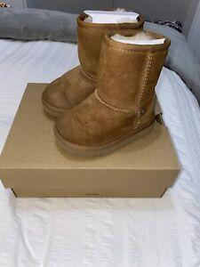 Infant Unisex Ugg Boots Size Uk5