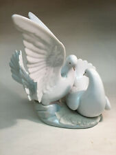 collectible vintage porcelain figurines Lladro #6291 Love Nest dove courting
