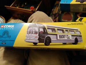 Corgi 54602 Chicago Transit Authority Fishbowl GM5307 1:50 Bus. Rocky movie Ad.