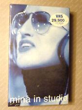 MINA IN STUDIO  -  COFANETTO VIDEO VHS 2001  NUOVO E SIGILLATO