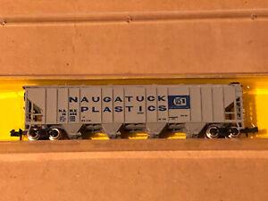 Minitrains N Scale Freight Train Car Covered Hopper Naugatuck Plastics AHM #4446