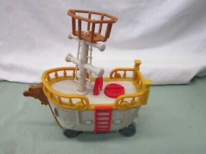 Fisher price sponge bob square pants Boat Ship Food Truck wheels sail mast lot