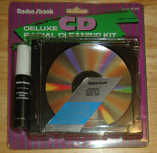 VINTAGE RADIO SHACK Deluxe CD Radial Cleaning Kit 42-226 RARE