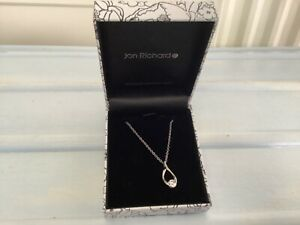 JON RICHARD COSTUME NECKLACE - NEW IN THE BOX - SILVER COLOUR with STONE