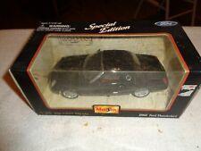 Maisto 2002 Ford Thunderbird Tbird 1/25 Scale Diecast Metal In Box