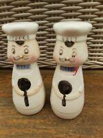 Salt & Pepper Ceramic Novelty Set.  Salt & Pepper Pot Chef Design