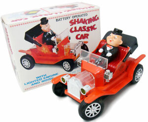 Vintage SHAKING CLASSIC CAR Battery Operated Tin Toy Nomura with original BOX