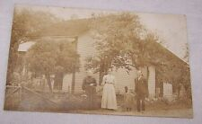 ANTIQUE REAL PHOTOGRAPH POST CARD-RPPC-OUTSIDE-FAMILY-HOME-CHILD-NEVER MAILED