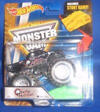 MATTEL  HOT WHEELS  MONSTER JAM OFF ROAD TRUCKS 1:64 METAL MULISHA W/RAMP, NEW