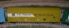 HO scale Life Like US Plywood all door car train