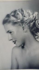 B.Art Photo - Portrait of a pretty French woman - Photo Studio J.Aubert, Avignon