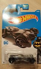 Hot Wheels , batman vs superman batmobile, di- cast metal cars