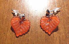 Boucles d'oreilles argentées clous feuille rouge 15x15 mm