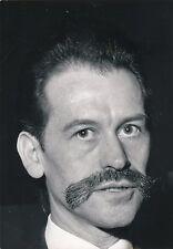 Photo artiste Georges Mathieu peintre tirage argentique v. 1960