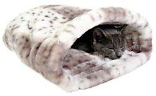 Couchage, paniers et couvertures blancs pour chat