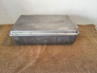 "VINTAGE MIRRO #54220 SNAP ON LID CAKE PAN 13"" X 9"" X 3 1/2"" MADE IN U.S.A.!"