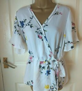 Sienna Sky Size Large White Summer Top Floral Print