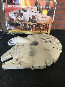 100% COMPLETE Vintage Star Wars Millennium Falcon Vehicle NICE CONDITION Boxed