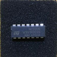 NE556N Dual 555 Timer Oscillator IC 14-Pin PDIP STMicroelectronics Multi Qty