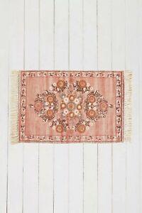 Urban Outfitters stina Rug Boho Woven Cotton Vintage Tassles Pink 3x 5 ft bnwt