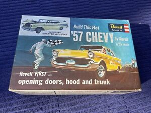 Revell authentic kit - 57 hot Chevy awesome antique