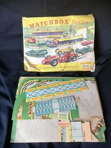 Rare Matchbox Series Lesney fold-out Roadway R-4 Racetrack early '60's