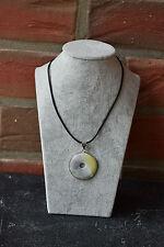 Echte Edelstein-Halsketten & -Anhänger mit Jade und Glück