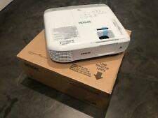 EPSON S39 Beamer Projektor LCD Büro 3300 Lumen mit Fernbedienung HDMI Beamer
