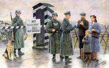 MASTER BOX MODELS 1/35 CHKPT GERMAN SOLDIERS & CIVILIANS W/SENTRY BOX (6) 3527